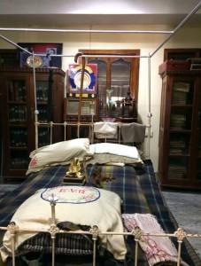 siragu periyar bedroom1